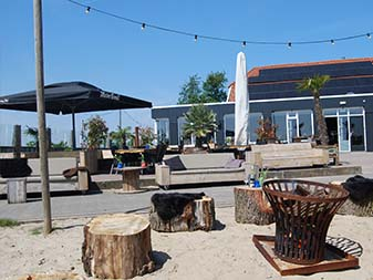 Het paviljoen/ restaurant